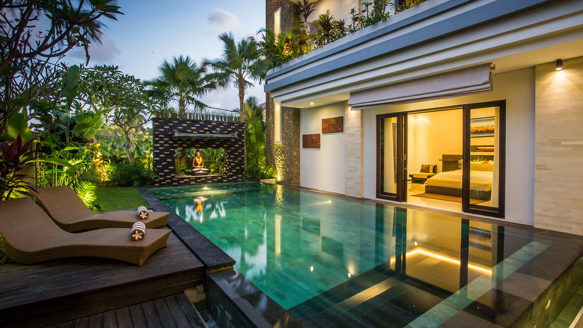 The Amarta is brand new luxury 3 bedroom villas located in Jimbaran, Bali. It has luxury minimalist concept just...