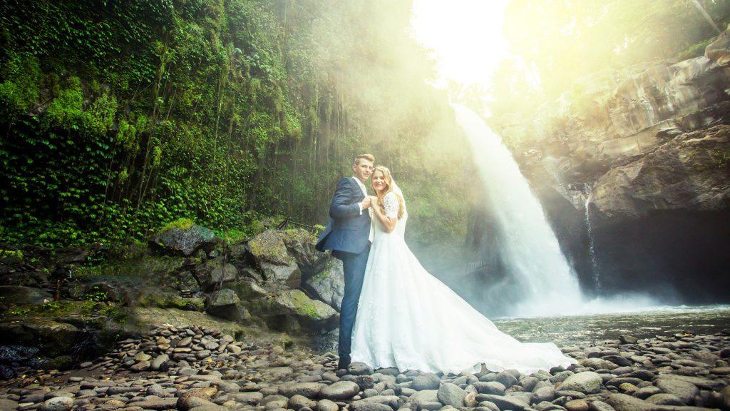 Bali Pre Wedding Spot: Tegenungan / Blangsinga Waterfall