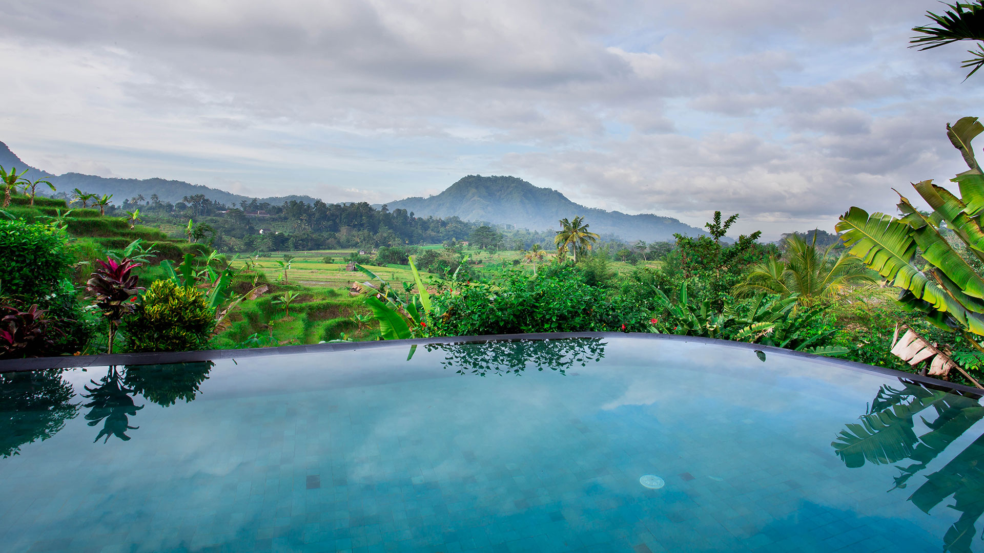 Amazing retreat away from the crowd of city hustle bustle located in Sidemen Village, Karangasem, Bali...
