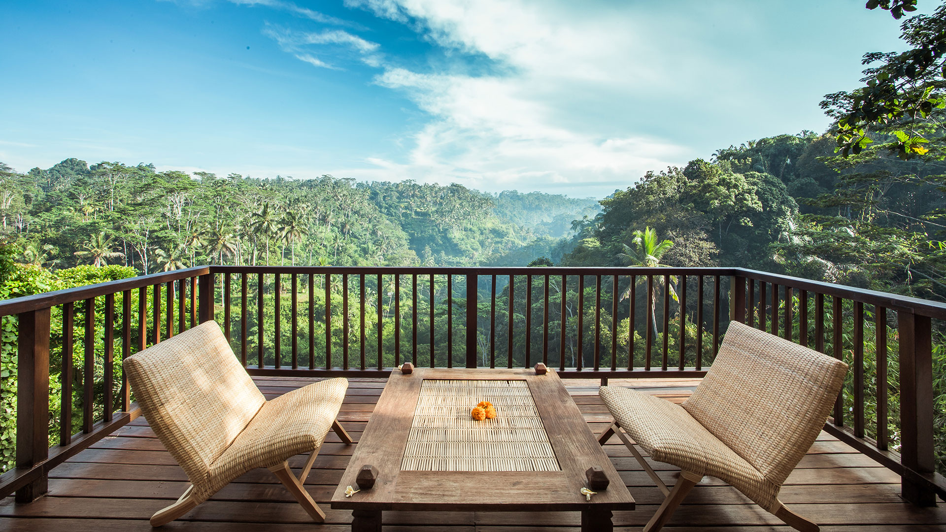 A classic villa with spectacular view located in Tegalalang, Ubud.
