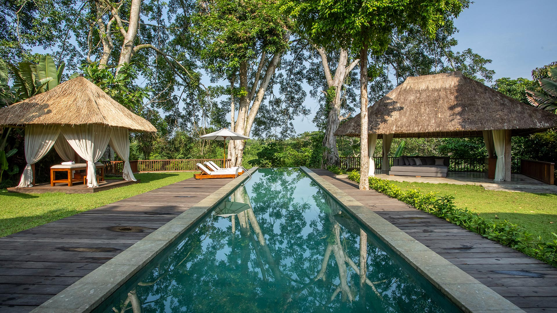 Villa Pandora is a huge sized luxury holiday villa located in the center of Bali island called Pejeng village, nearby Ubud. The villa consist of 3 bedrooms...