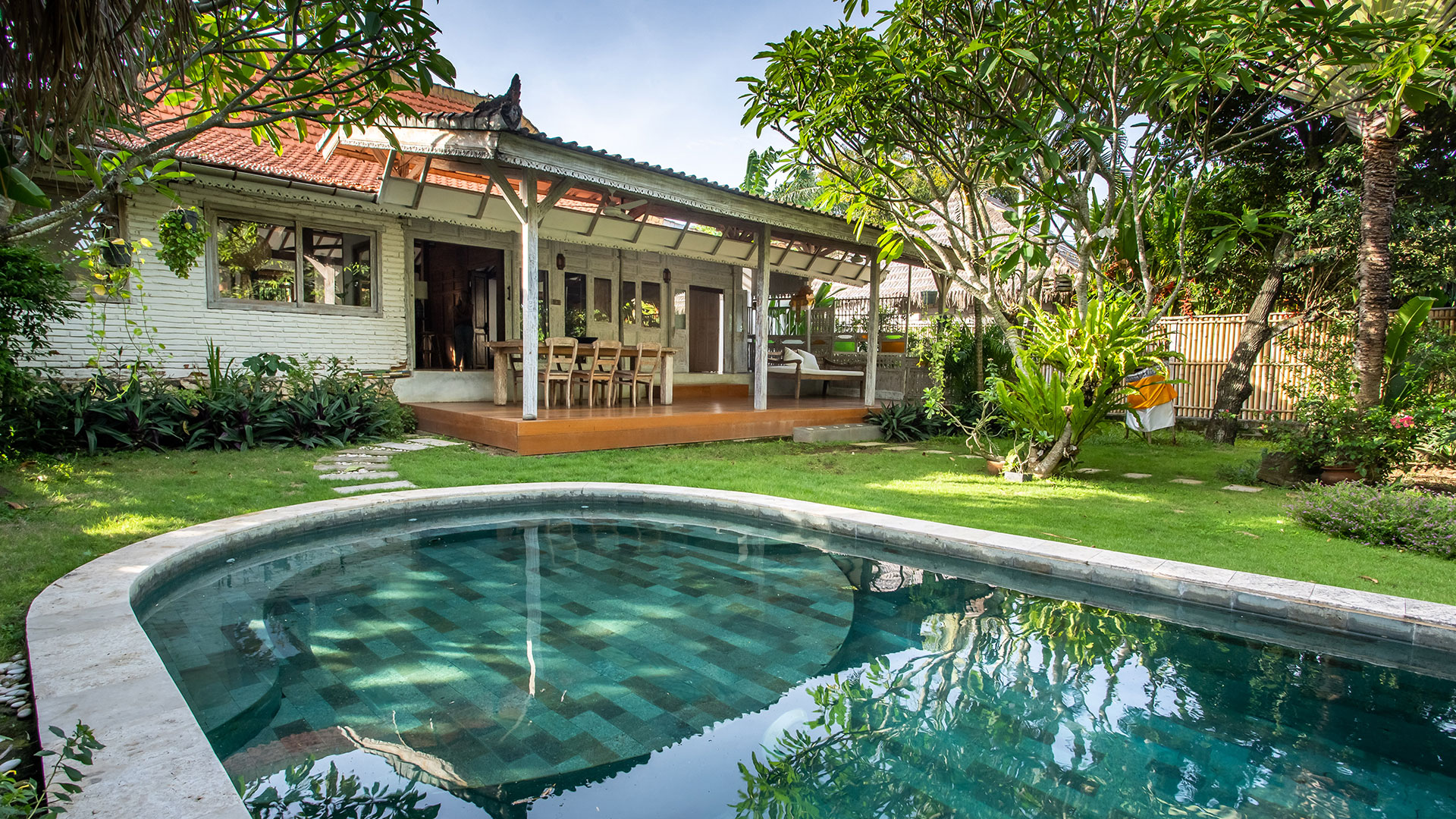 It's an amazing classic style villa located in Jl Nelayan, Canggu. Consist of 3 bedrooms, the villa has its own uniqueness that can be seen...