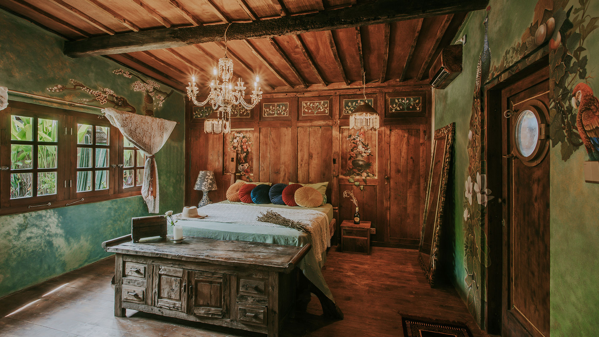 his is the second house of Tash, an amazing rustic style villa owned by a couple from England. Located in Canggu, this house consist of 2 main bedroom and...
